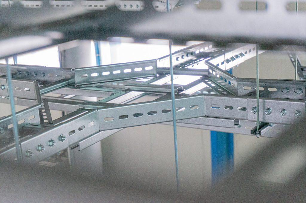 Pat Jgheab metalic tip scara cabluri electrice 118