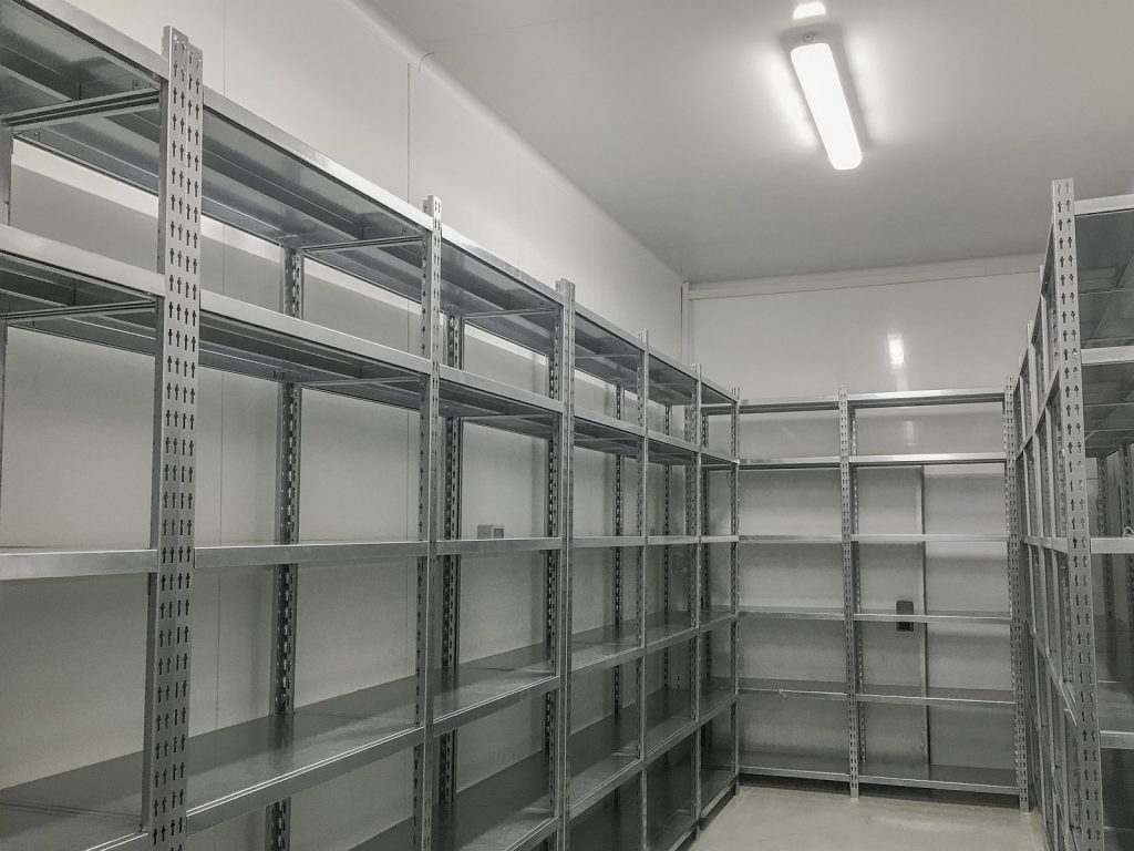 Rafturi metalice arhiva dosare 04
